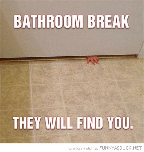 funny-bathroom-break-kid-baby-hand-door-find-you-pics