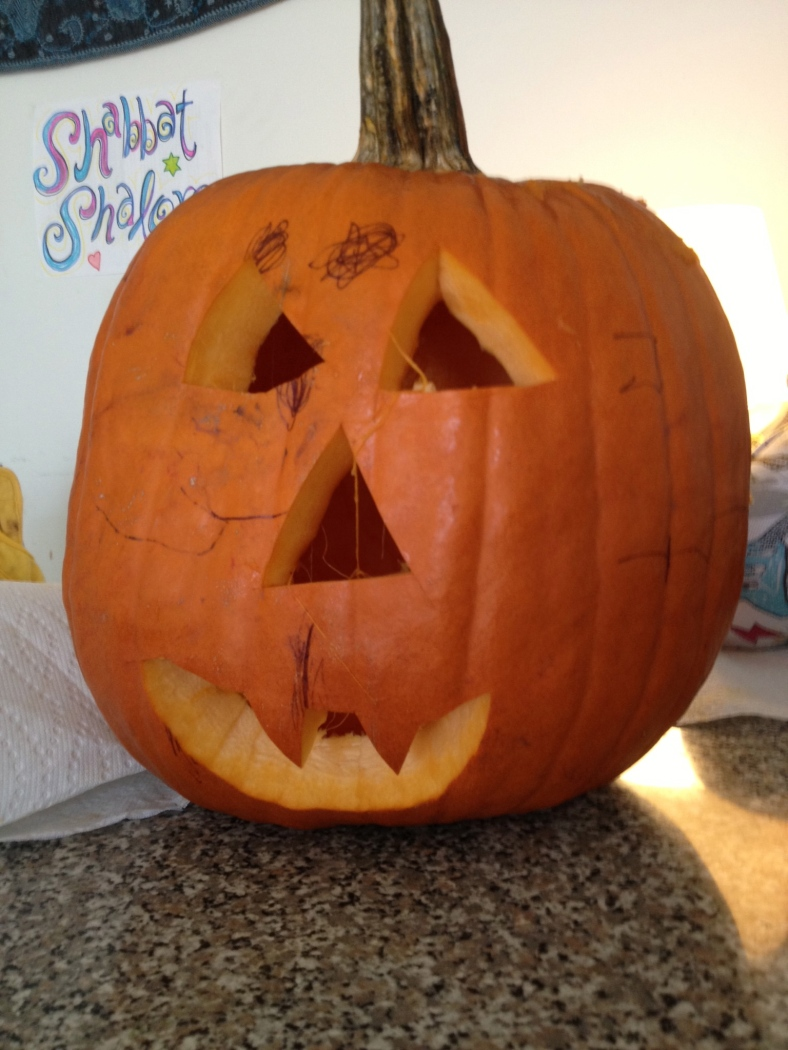 Mo thought Ben carved this. Thanks a lot Mo, my artistic skillz get no respect! (Vampire teeth as per Ben's request)